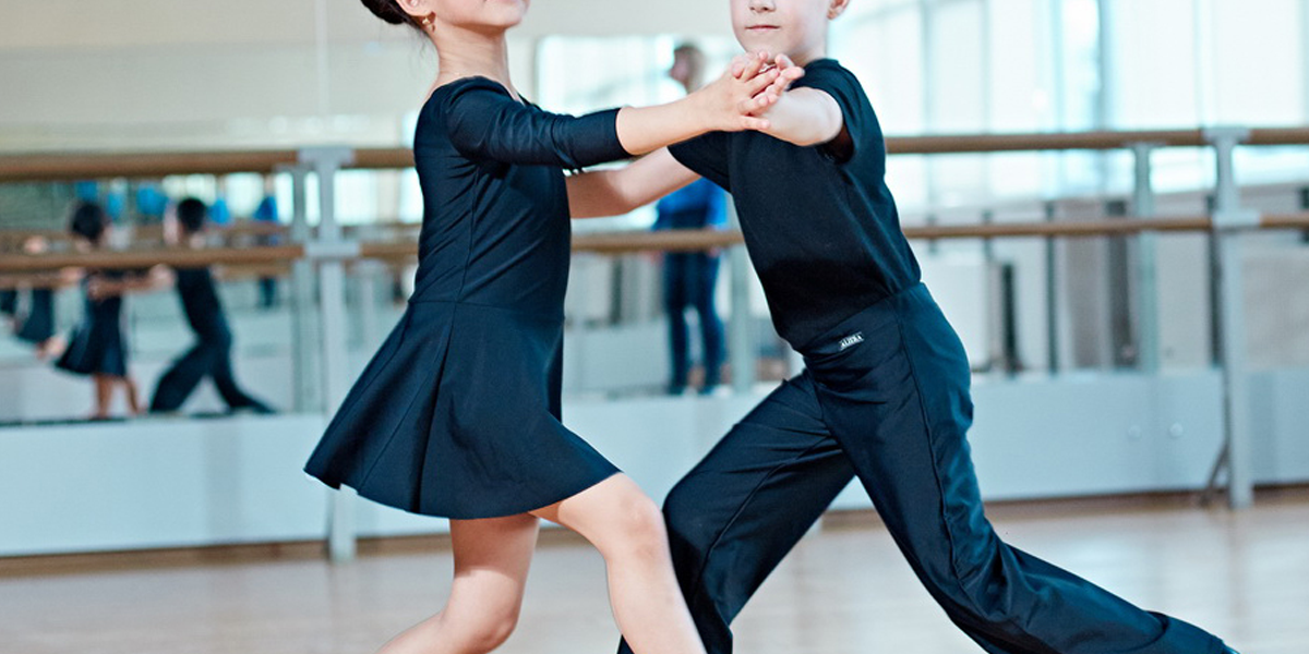 https://duetdance.co.uk/wp-content/uploads/2020/08/kids-DuetDanceStudio-beginners.png